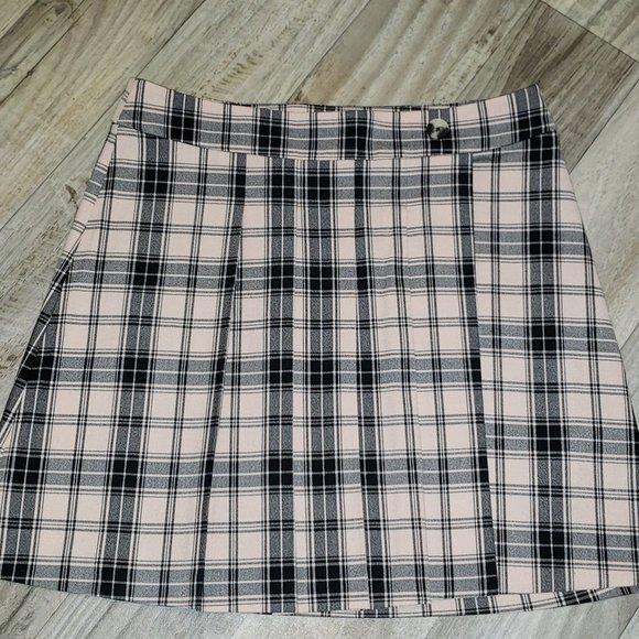Hollister Pink/Black Pleated Plaid/Tartan Skirt